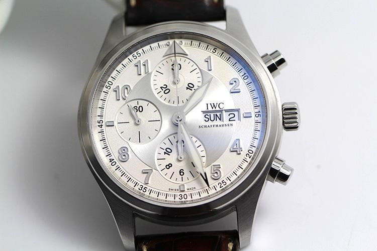 万国售后服务中心教你保养万国手表