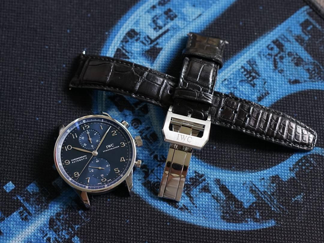 万国手表有划痕的处理方法