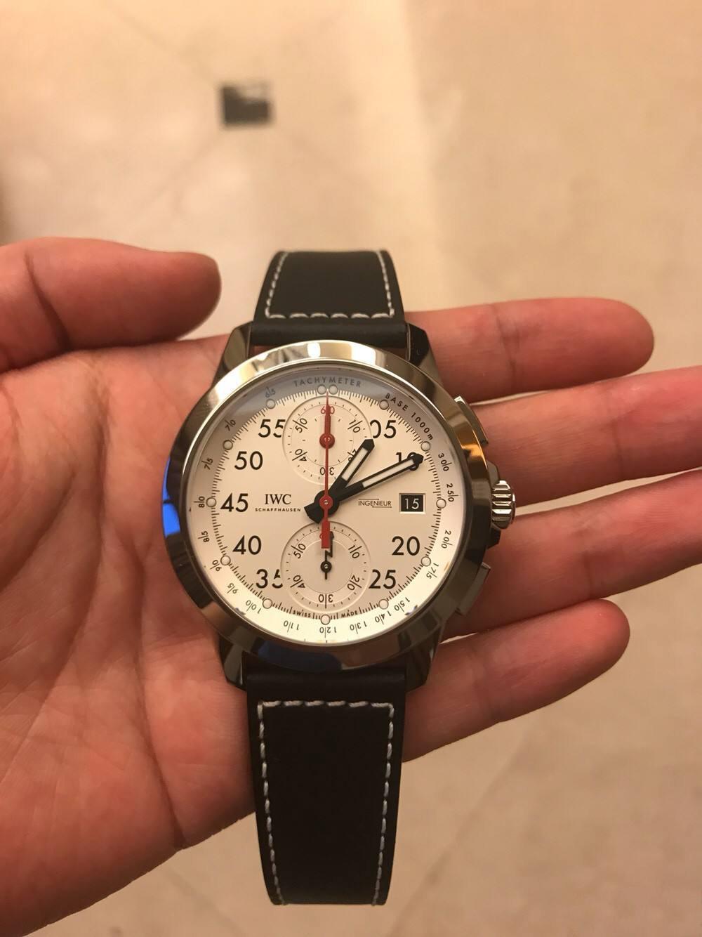 北京万国售后中心教你保养手表
